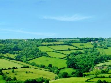 Pemandangan hijau sepanjang jalan London - Bath